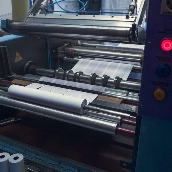 paper-fabrica-fabricacion-papel-medico-painmed-empresa-colombiana-colombia-bogota-sur-america-galeria-maquina
