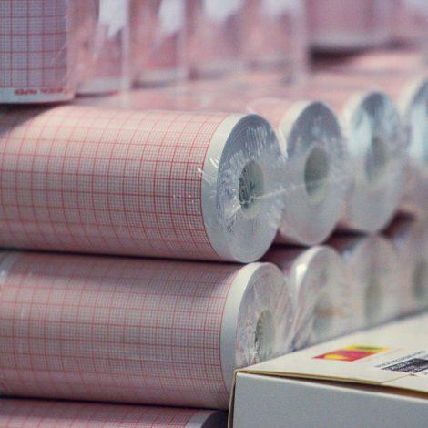 oficina-painmed-52-papeles-industriales-medicos-papel-termico-uso-medico-rollo-punto-fabrica-bogota-colombia-industria-fabricacion-work-stock